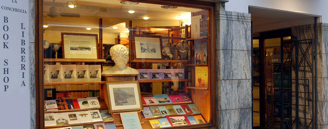Libreria La Conchiglia, via Le Botteghe 12 - 80073 Capri